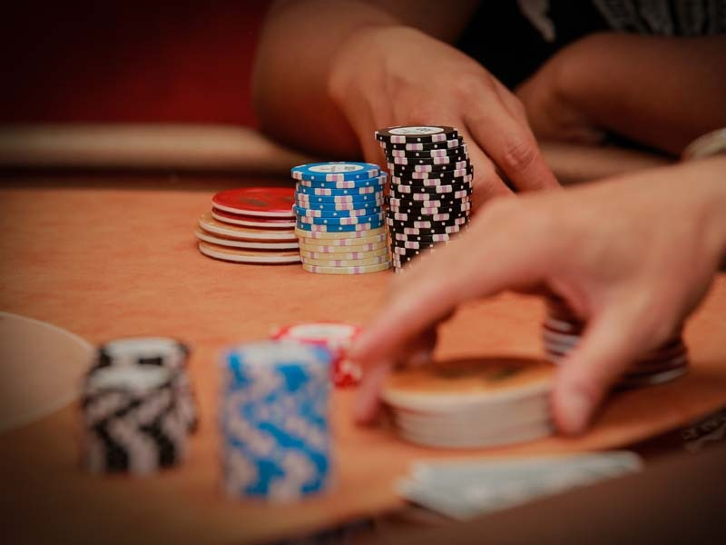 What are the different forms of gambling available online?