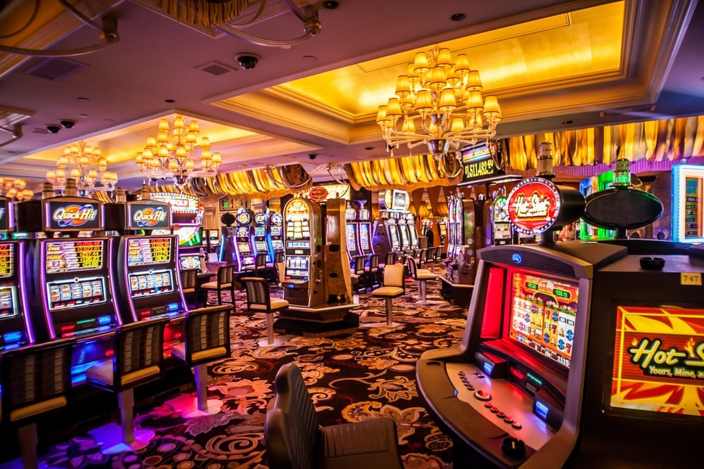 Everything you need to know about online poker and slot games